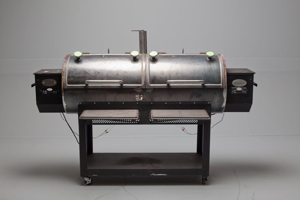 SmokingPit com's - Custom Yoder Pellet Smoker - Smoked-Meat