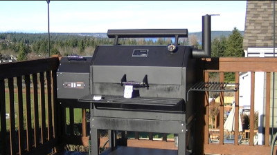 SmokingPit.com - Yoder YS640 - Best wood pellet fired smokmer I have cooked on!